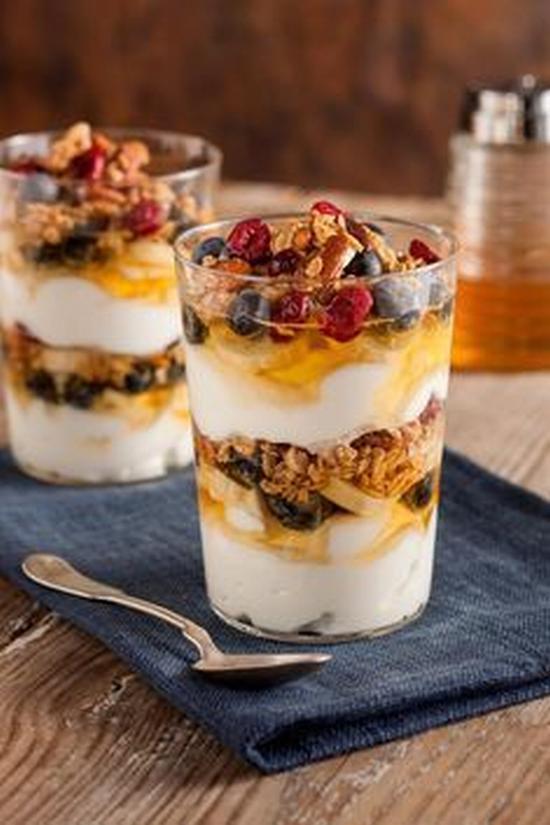 水果燕麦酸奶 图片来源pinterest@National Honey Board