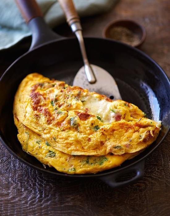 煎鸡蛋饼 图片来源pinterest@Leite's Culinaria