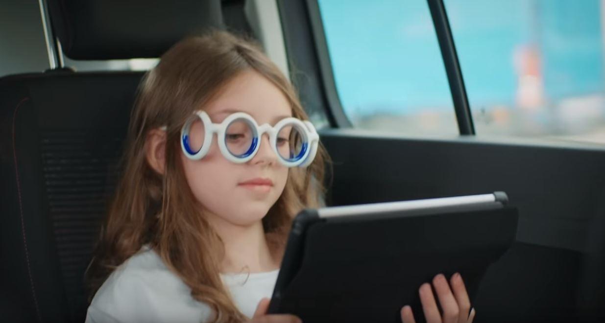 雪铁龙研发创新型无镜片眼镜 可防止晕车