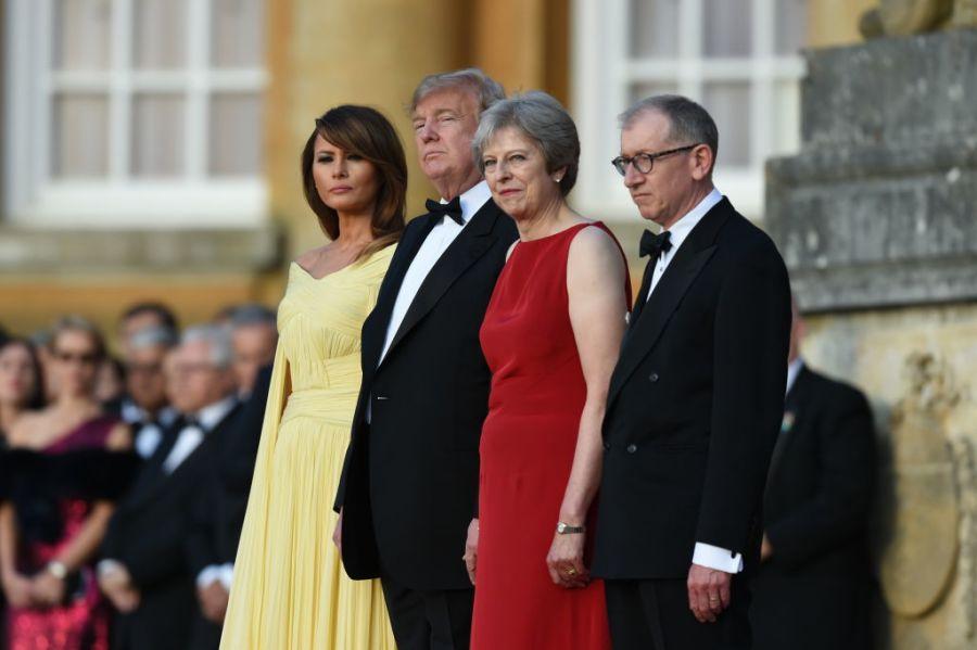特朗普英国行:先见梅姨,再会伊丽莎白女王