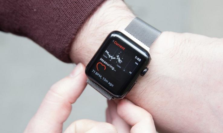 Apple Watch将迎首次设计变更:屏更大 边框变细