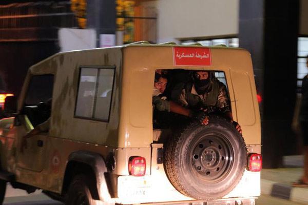 埃及开罗一石化厂发生爆炸12人受伤