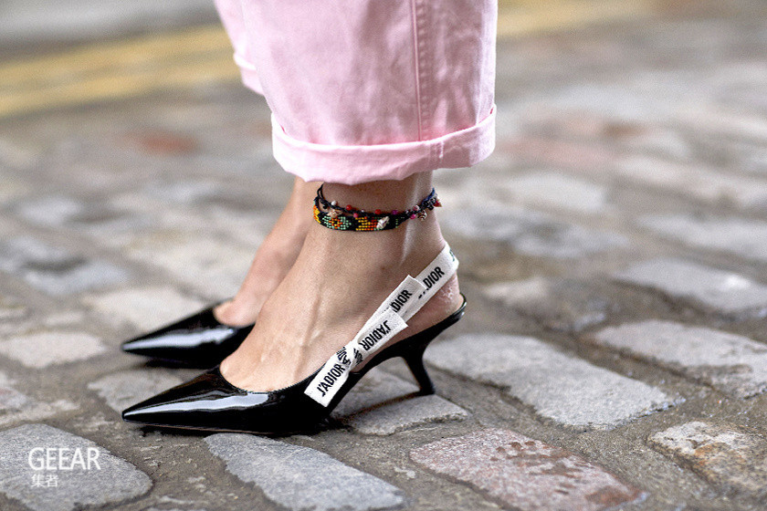 这6招试过一遍后会发现,穿高跟鞋再也不怕痛了!