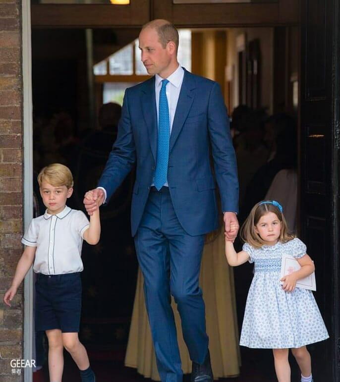3岁之已有大将之风,夏洛特小公主霸气跟记者说:请你不要跟来!