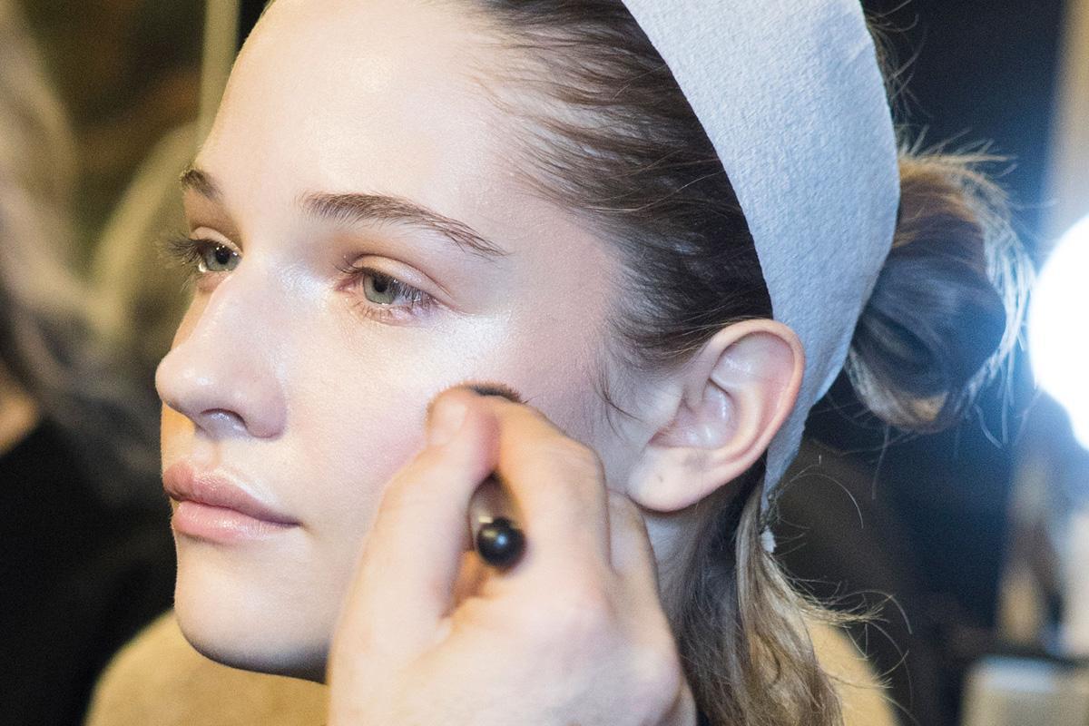 化妆师告诉你45个使用粉底的绝佳窍门