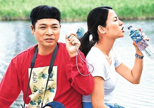 他被称为小张国荣,却因演傻子而出名,娶小15岁老婆如今家庭美满