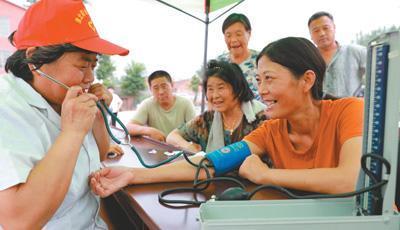 聚焦健康扶贫:医疗费用的个人自付比例平均为16%dnf60ss臂铠