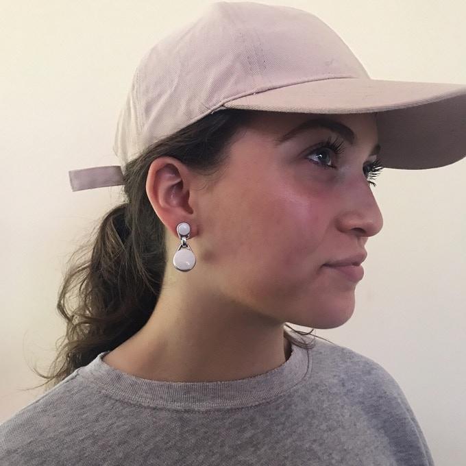 无线耳机易掉怎么办?这款耳环耳机专为女性打造