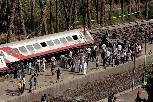 埃及吉萨一辆火车脱轨 伤亡情况暂不明