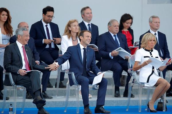法国举行盛大国庆阅兵仪式 新加坡总理李显龙受邀观礼