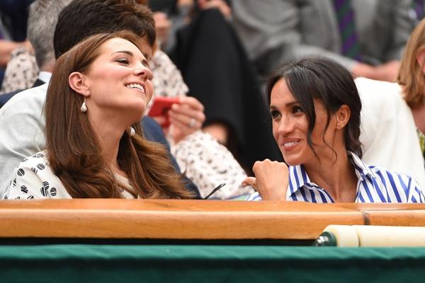 王妃凯特、梅根观战温网 谈笑风生气氛融洽