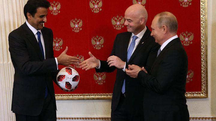 """卡塔尔将举办2022世界杯 普京传递""""接力棒"""""""
