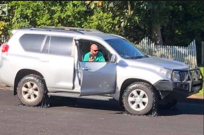 澳大利亚反常高温致路面熔化 50多辆汽车受损