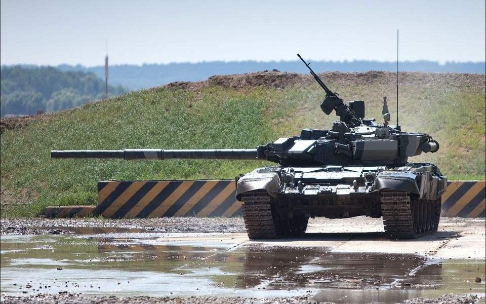 """""""弃美投俄"""":伊军为何相中T90而封存M1A1坦克"""