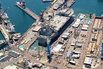 美国军工船厂坞门崩塌 军舰还未完工就被泡坏
