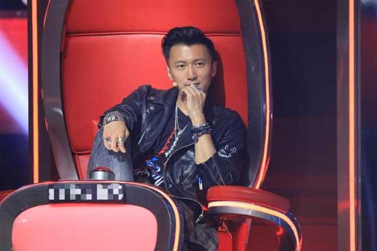《中国好声音》首播 重金属版洛天依神曲引争议