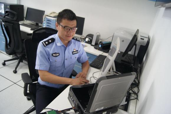董利鹏:一名网警新兵的匠人匠心