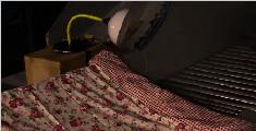 热爱发明的大叔,懒人自动睡觉神器