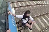 """澳火车""""冲浪""""少年:愿在享乐中死去"""