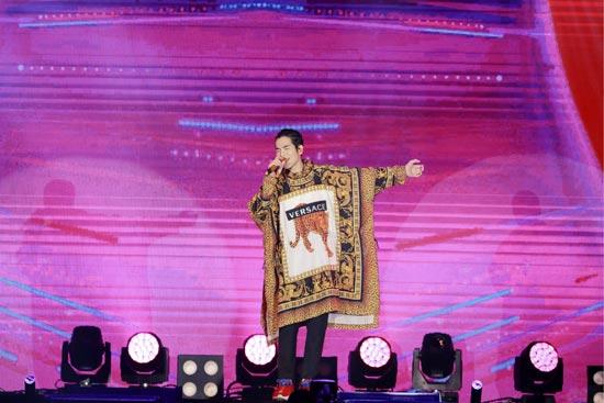 萧敬腾举办歌迷见面会  宣布巡演高雄站即将开启