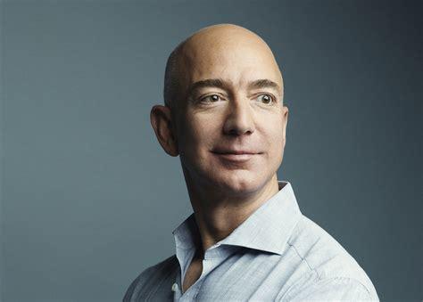 贝索斯今年将成首位千亿富翁 马斯克78岁坐拥万亿
