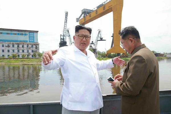 金正恩赴咸镜北道视察 要求进一步发展朝鲜船舶工业