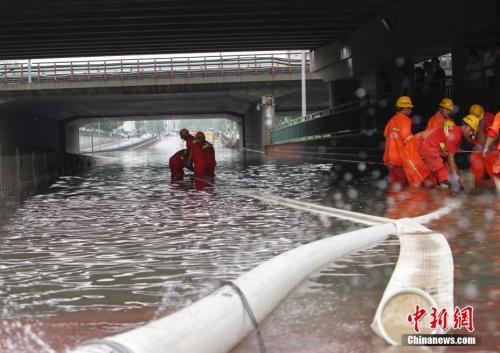 华北雨季较常年提早9天 气象专家析北京暴雨成因