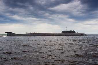 俄核潜艇引航大批军舰途经芬兰湾 现已抵俄港口
