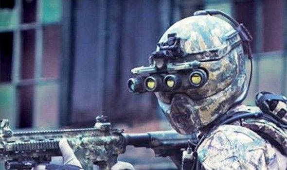 """美国测试""""钢铁侠""""式外骨骼:自发电提升士兵力量"""