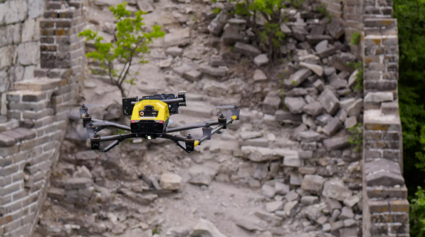 英特尔用无人机技术提供精准数据 保护箭扣长城