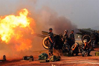 空降兵部队进行实弹训练炮火漫天太震撼