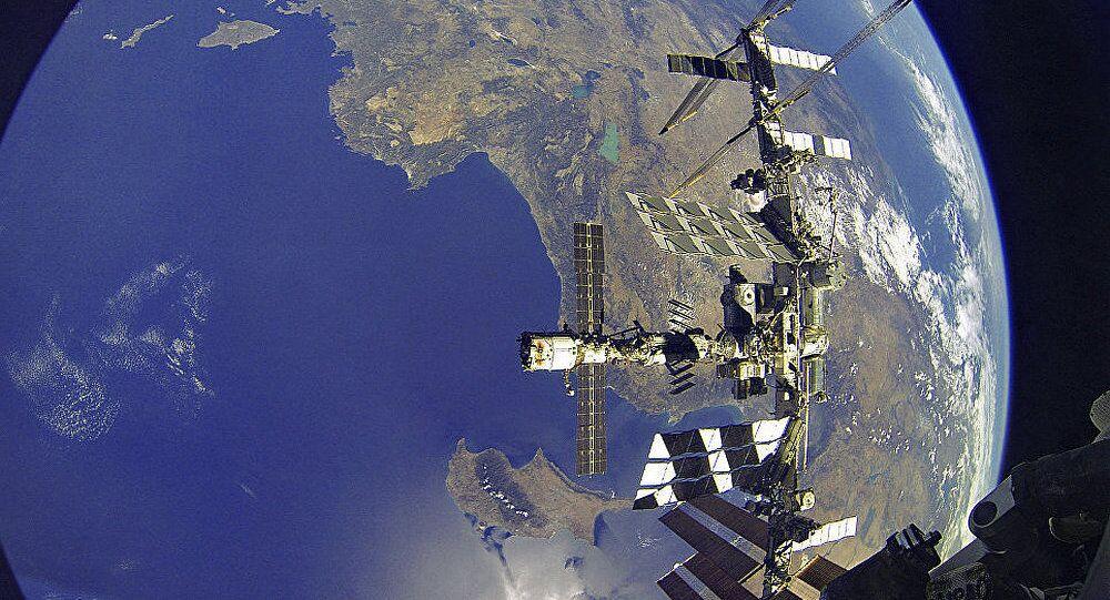 消息人士:俄可能使用国际空间站舱体建造月球站