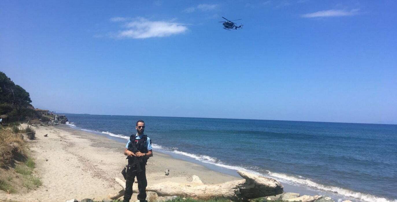 一架观光飞机在法国科西嘉岛坠毁 致两人死亡