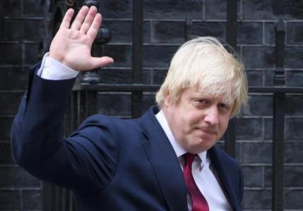 """英前外交大臣""""再就业""""被批违反规定,罚还是不罚?"""