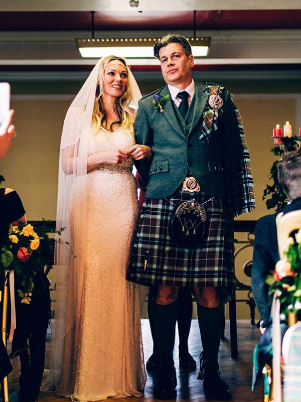 感动!英夫妇时隔22年后复婚再次携手共度余生