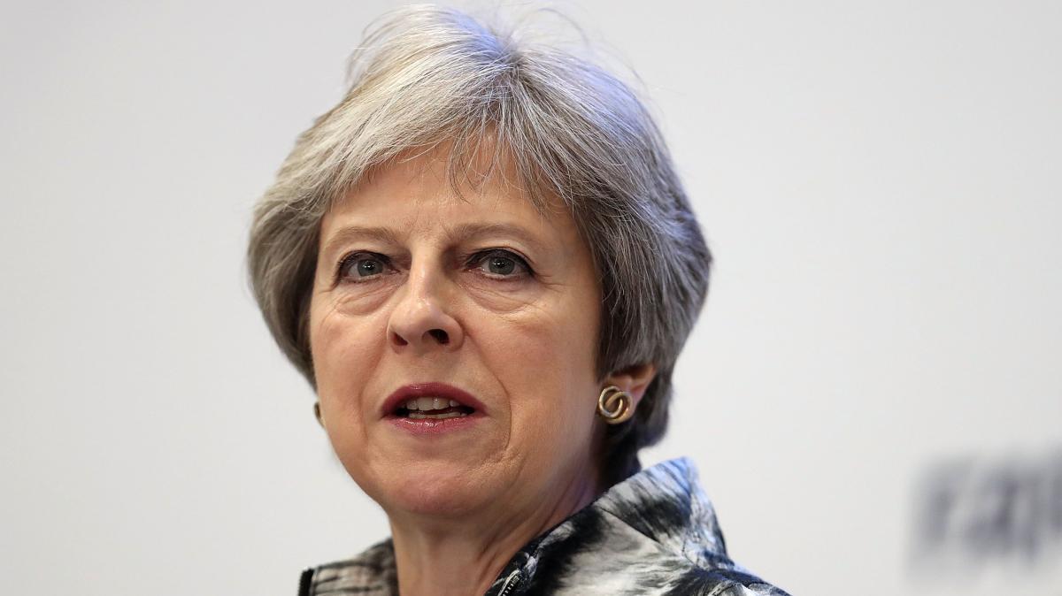 梅姨放大招威胁党内反对派:不同意我脱欧计划,就大选!