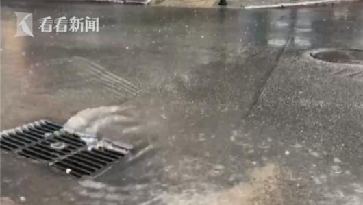 北京进入看海模式 故宫却靠