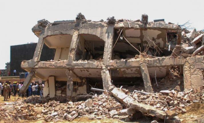 印度首都一座6层建筑物倒塌 致3死12人失踪