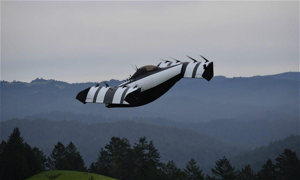 外媒曝光Opener首款飞行汽车Blackfly样机
