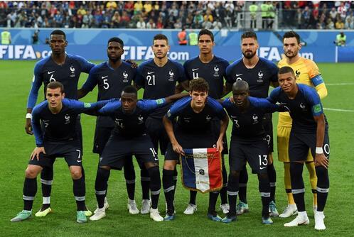 """法国队世界杯夺冠:有球迷说,这是""""黑色人种""""的胜利"""