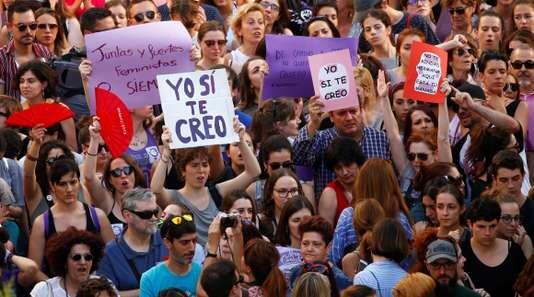 西班牙奔牛节强奸案引公愤 政府修改法律明确界定