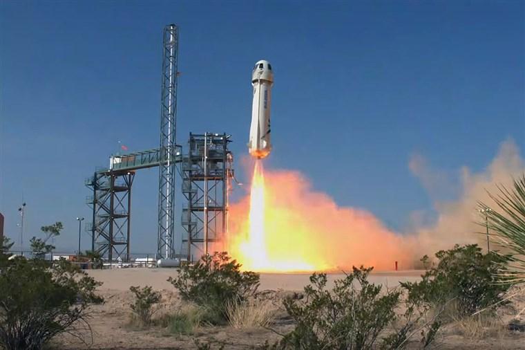 蓝色起源第九次试射火箭 测试极限逃生技术