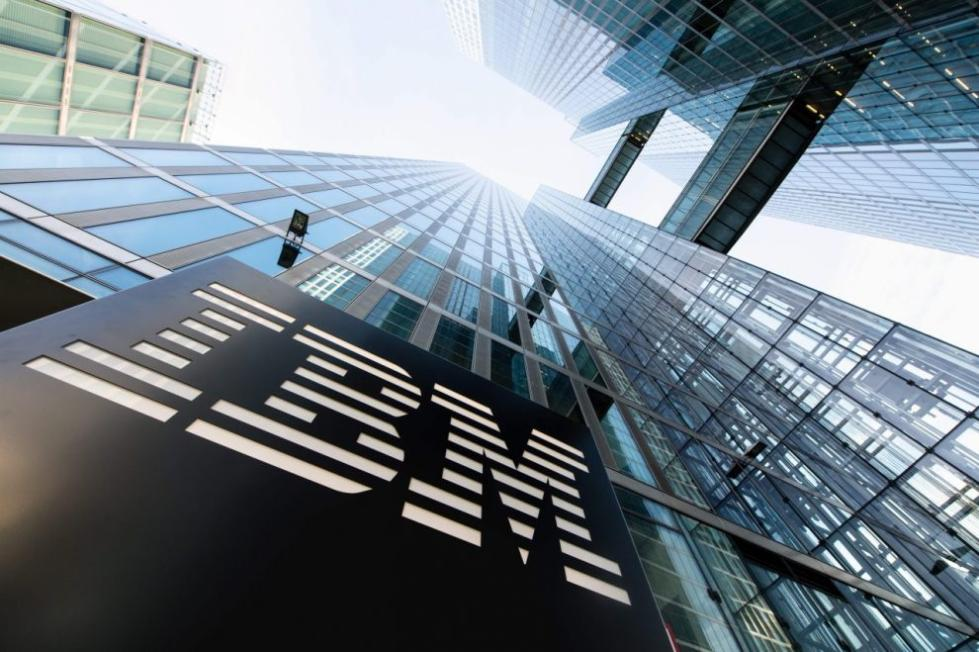 IBM获AI等新业务提振 第二季度业绩高于预期