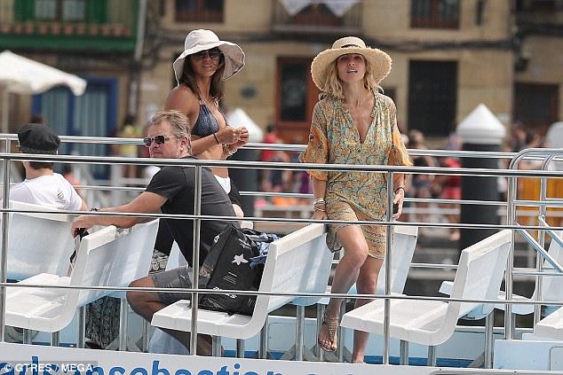 """马特•达蒙和""""雷神""""两家人共度海上假日"""