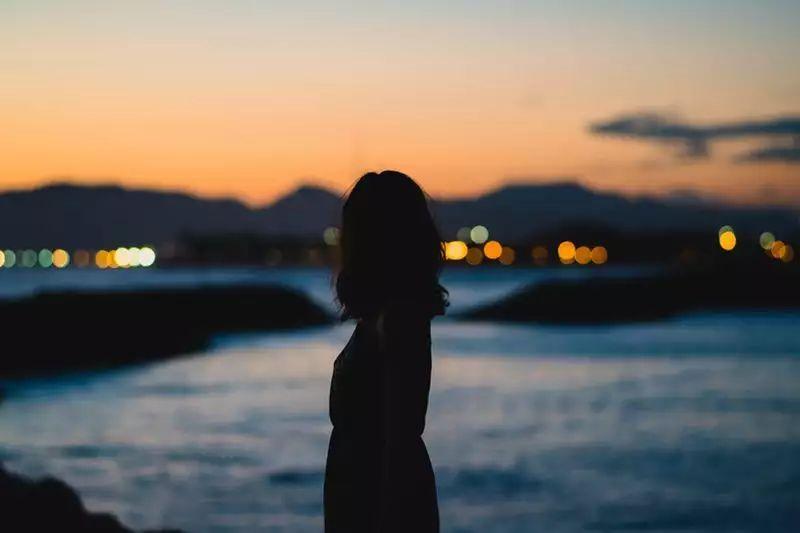 我总感觉不安和孤独,却找不到真心爱我的人 | KY咨询师信箱Vol.6