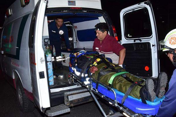 墨西哥一辆客车与卡车相撞 造成至少12人死亡数人受伤