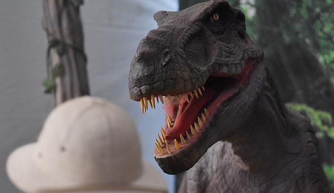 """墨西哥举行""""动画恐龙""""展 带你重返侏罗纪世界"""