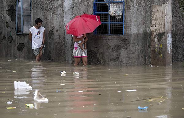 菲律宾连日强降雨已致至少5人死亡72万人受灾