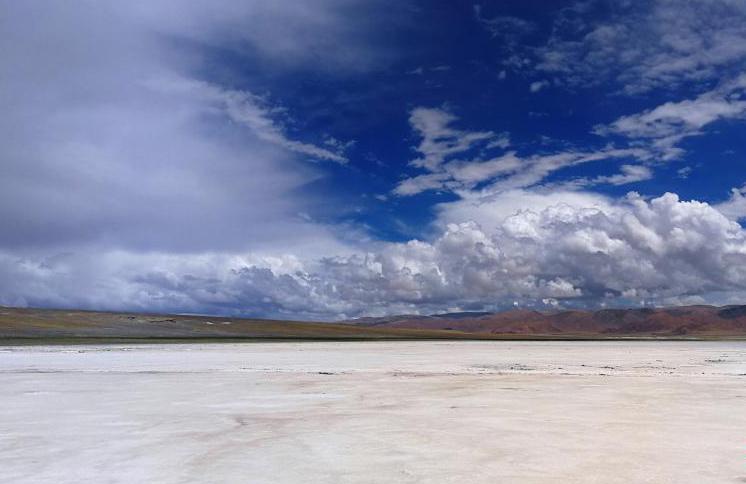 """西藏数百年""""盐羊古道""""再现昔日繁荣景象"""