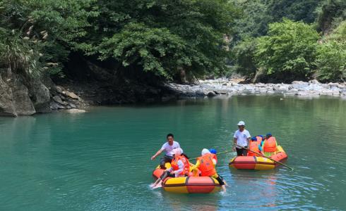 竹山县铜谷峡漂流开业